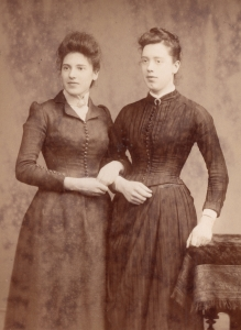 Eliza Barber (L) and Nellie  (R)